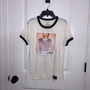Taylor Swift Top Size Small